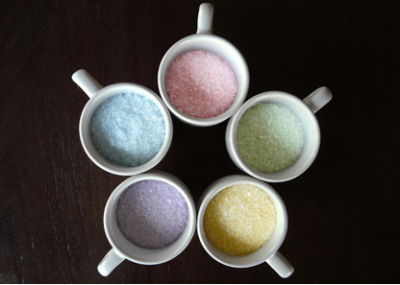 coloured salt in mugs
